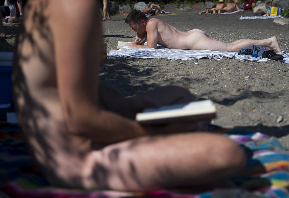It's totally legal to be naked in public in Seattle (via www.kuow.org)